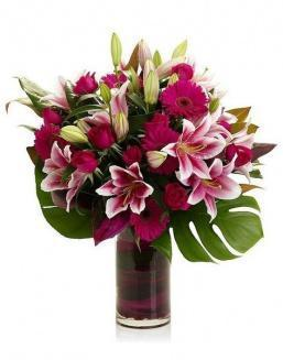 Bouquet of 15 red lilies | Flowers to women